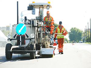 photodune-4468091-workers-at-road-surface-pavement-markings-m