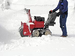 photodune-5702249-snow-removal-m